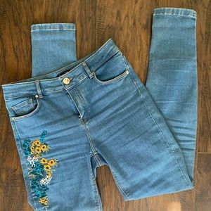 High rise blue wash embroidered jeans